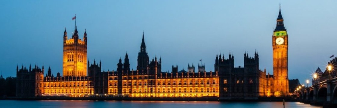 houses-of-parliament-1055056_1280-1024×546