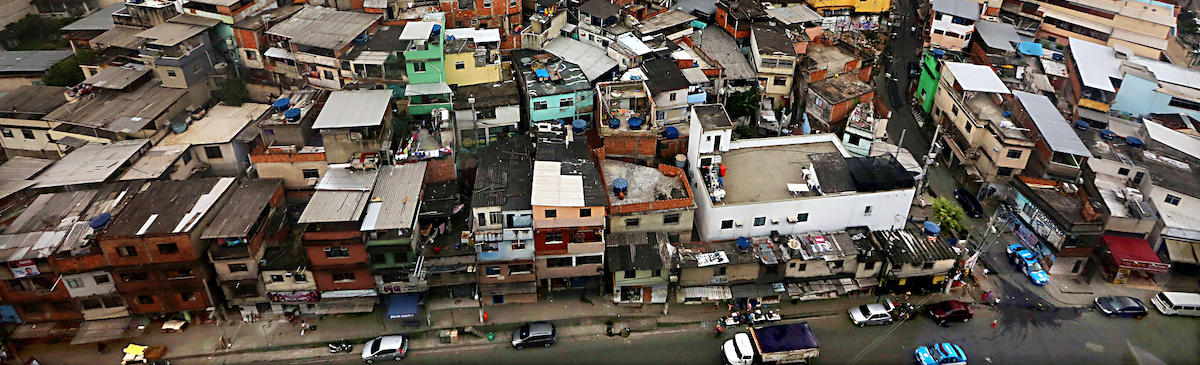 Brazil's Growth Pushes Urbanization Rate Towards 90 Percent…RIO DE JANEIRO, BRAZIL – OCTOBER 08: The Alemao shanty town is viewed from the Teleferico gondola line on October 8, 2013 in Rio de Janeiro, Brazil. The formerly violent hillside 'favela' community recently received the cable car system in an attempt to integrate the community with the surrounding city. Brazil, the fifth largest country in the world geographically, has seen its urban population increase to 87 percent, the highest among the BRIC countries. Some forecasts are calling for Brazil to hit 90 percent urbanization by 2020 as the rural to urban migration continues. By comparison, India's urban population is 31 percent, China's 50 percent and Russia's 73 percent, according to the CIA World Factbook.  (Photo by Mario Tama/Getty Images)